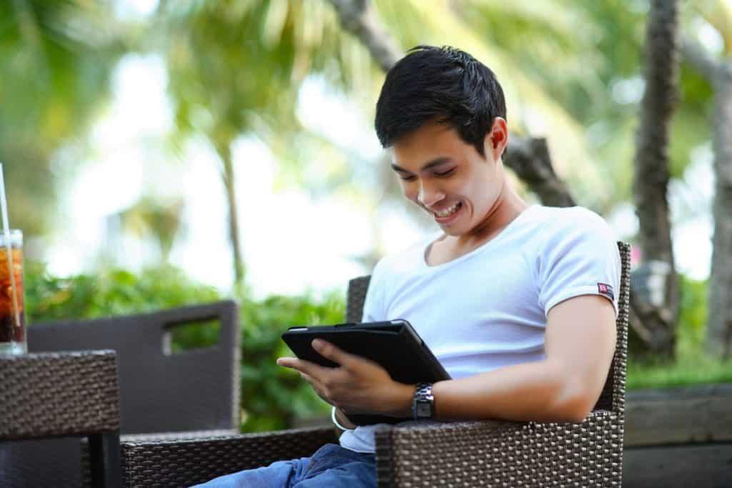 Da li je moguće zaraditi na internetu ?