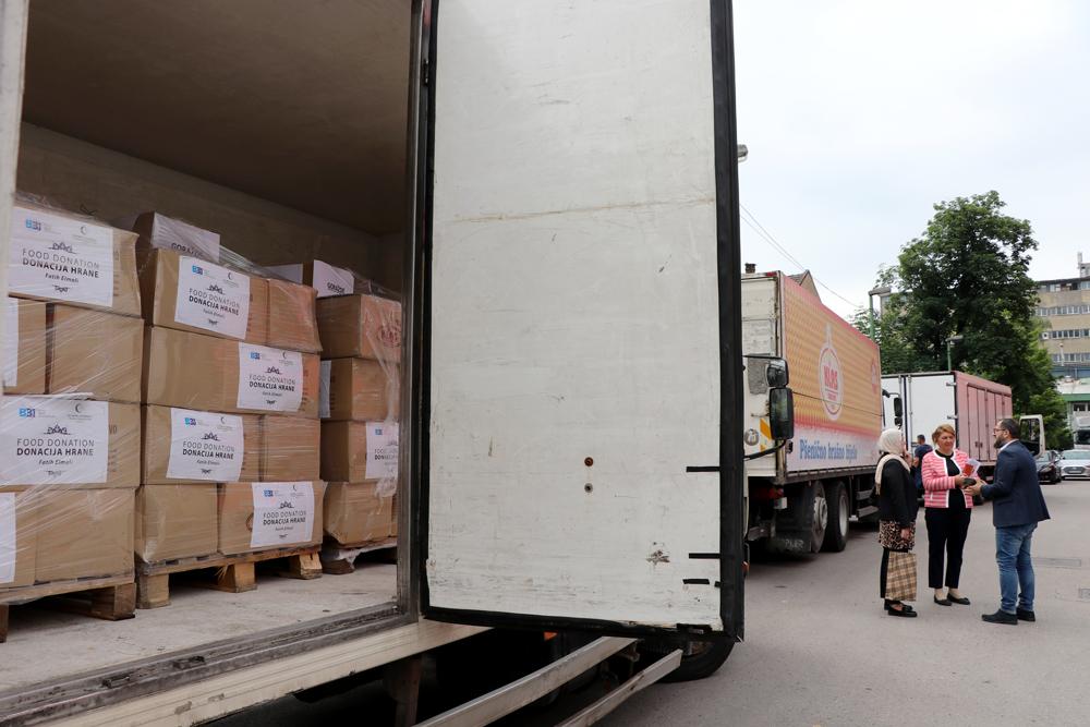 BBI banka u saradnji s partnerima donirala 1.200 paketa hrane porodicama širom BiH